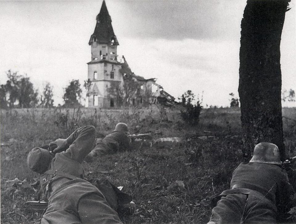 Разрушенная лютеранская церковь в Валкеасаари 1940 год